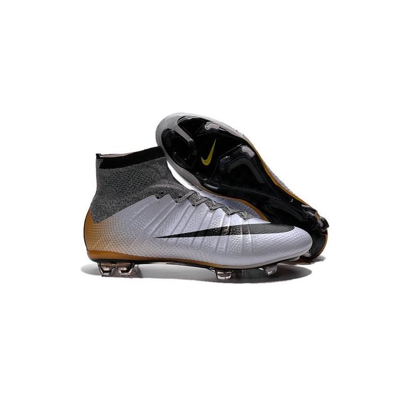 scarpe calcio nike nere e oro